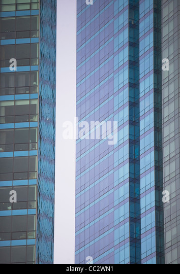 USA, New York City, äußere des modernen Bürogebäuden Stockbild