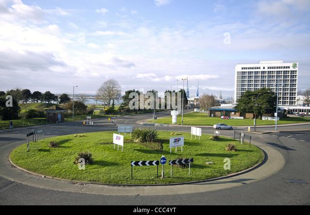 Die Aussicht in Richtung Dock Gate 8 mit Mayflower Park auf der linken Seite und das Holiday Inn auf der rechten Stockbild