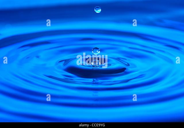 Der Zeit eingefroren. Tropfen Wasser Stockbild