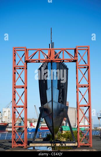 Zum Abschnitt Replik aus der Bugteil der RMS Titanic skalieren gelegen in Thompson Dock Belfast Nordirland Stockbild