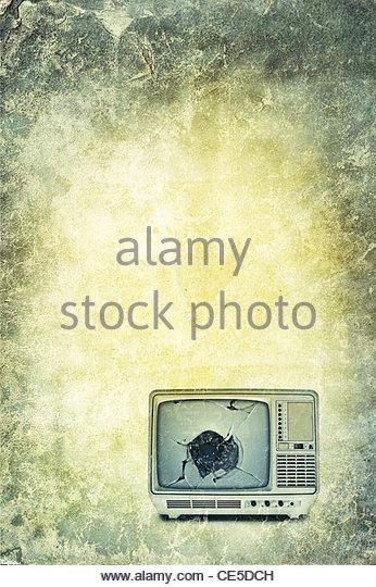 Alten altmodischen tragbare Fernseher Stockbild