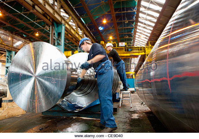 Ingenieur auf Metall Maschinen Stockbild