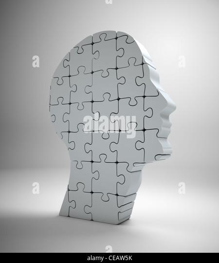 Einen männlichen Kopf Build aus Puzzle-Teile Stockbild