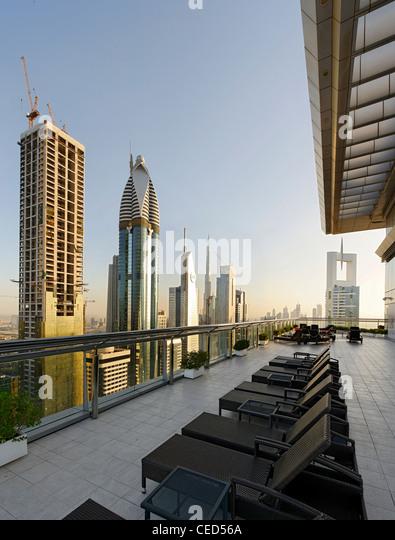 Dachterrasse eines Hotels, Downtown Dubai, Dubai, Vereinigte Arabische Emirate, Naher Osten Stockbild