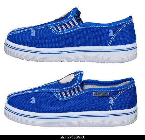 Sportlich leichte blaue Sneaker isoliert auf weißem Hintergrund Stockbild