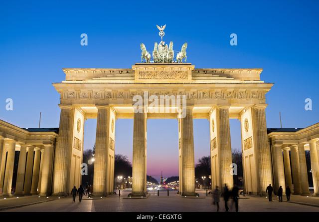 Ansicht des Brandenburger Tors in der Nacht in Berlin Deutschland Stockbild