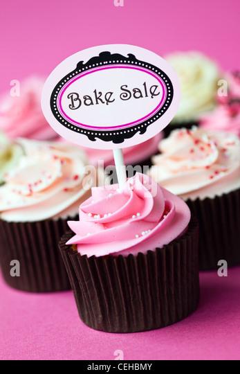 Cupcakes für ein Kuchenverkauf Stockbild
