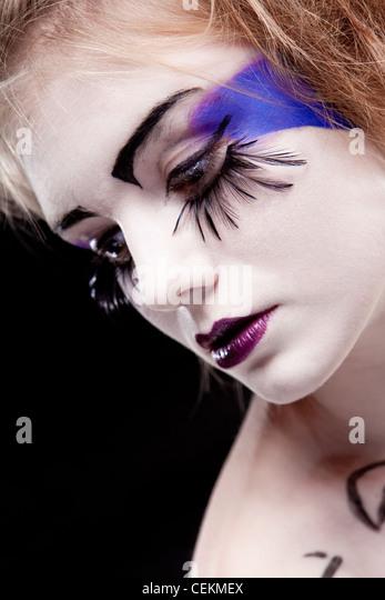 Mädchen-Gesicht mit original Make-up-falsche Wimpern Stockbild