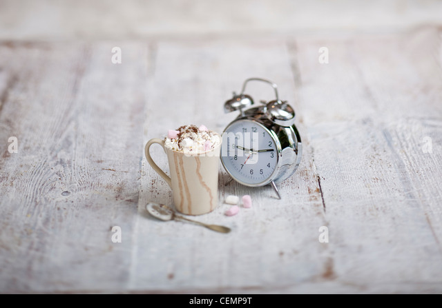 Heiße Schokolade trinken Stockbild