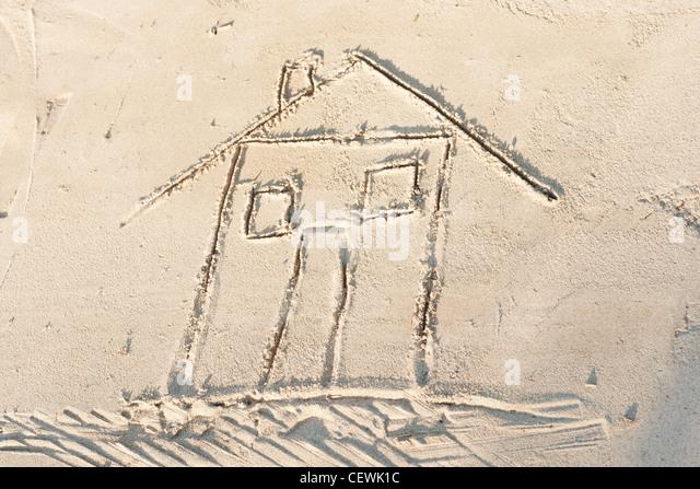 Haus in Sand, hohe Winkel Ansicht gezeichnet Stockbild