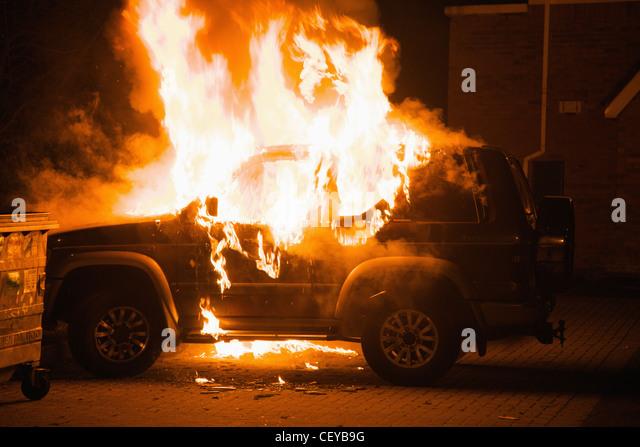 ein Fahrzeug in Brand; Irland Dublin county Stockbild