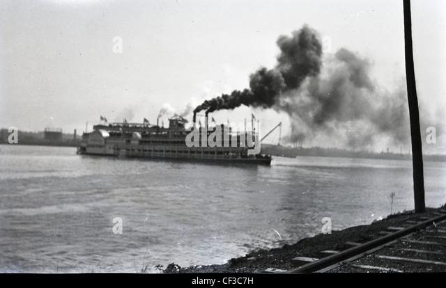 Dampf Boot auf Mississippi, Ohio River während des späten 1800 s oder frühen 1900er Jahren Boot Reisen Stockbild