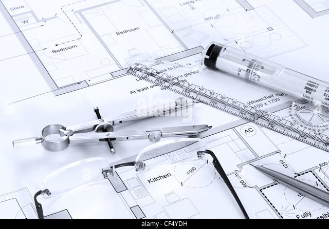 Still-Leben Foto von architektonischen Grundrisse mit Zeichengeräte Stockbild