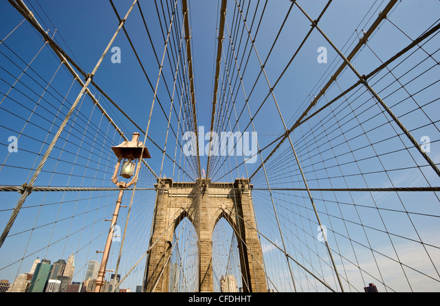 Brooklyn Bridge im Sonnenlicht, Manhattan, New York, USA, Amerika Stockbild
