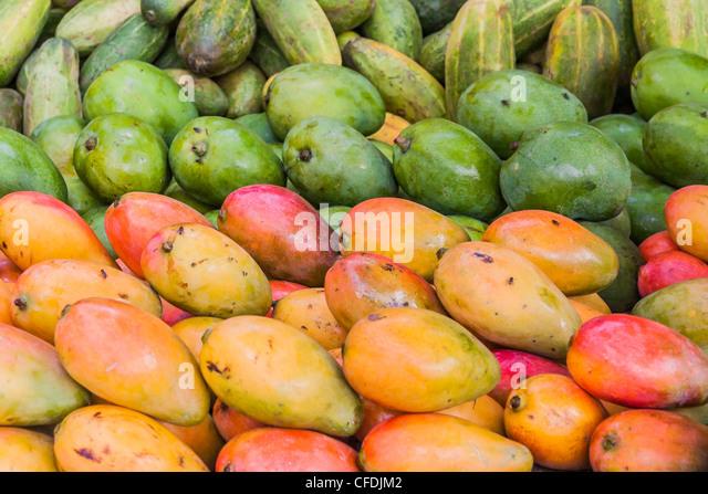 Display-Mango auf den Markt von Ambilobe, Norden von Madagaskar Stockbild