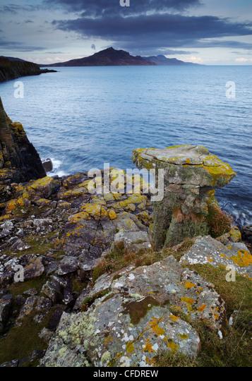 Ein Blick von der Landzunge in den Braes Villages, Suche entlang der Sound of Raasay, Isle Of Skye, Schottland, Stockbild