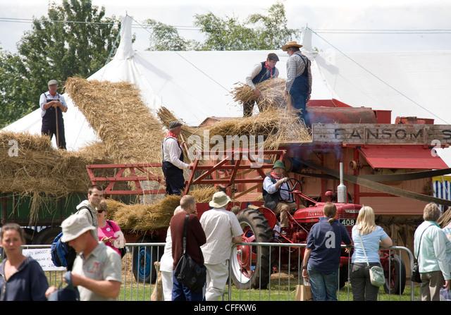 Oldtimer Landmaschinen bei einer Landwirtschaftsausstellung Stockbild