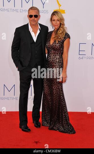 Kevin Costner arrivals64th Primetime Emmy Awards - Ankünfte Nokia Theatre L.A. LIVE Los Angeles CA 23. September Stockbild
