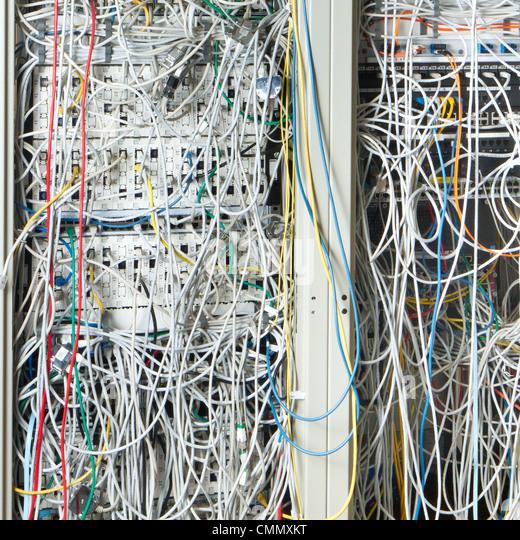 Konzept der Netzwerkinfrastruktur mit Kabel Stockbild