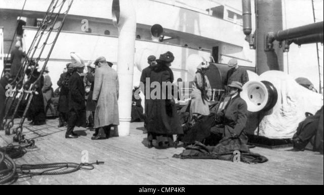 Überlebende der Titanic Schiff an Bord der Carpathia Stockbild