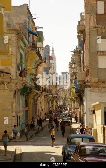 Alltag in einer alten Straße Havanna, Kuba Stockbild