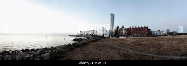 Panoramablick auf Häuser in der Nähe von Meer Stockbild