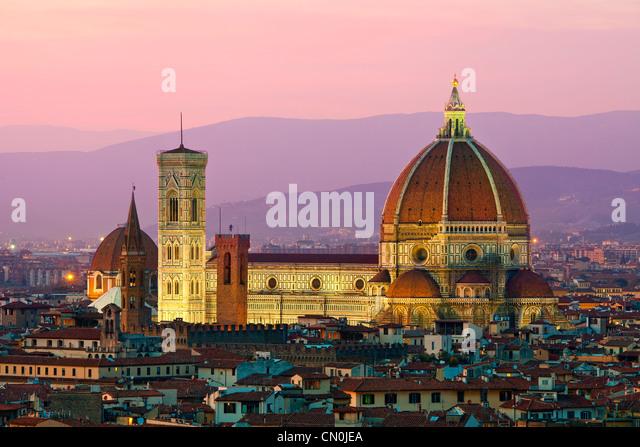 Florenz, Dom Santa Maria del Fiore in der Abenddämmerung Stockbild
