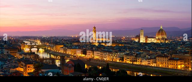 Florenz, Dom Santa Maria del Fiore, Palazzo Vecchio in der Abenddämmerung Stockbild
