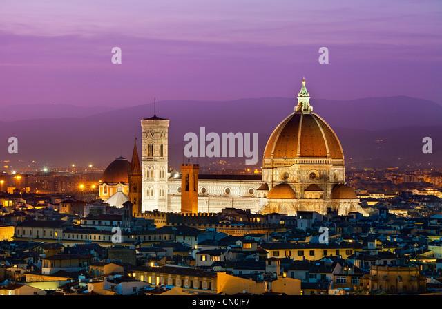 Florenz Duomo Santa Maria del Fiore in der Dämmerung, Stockbild