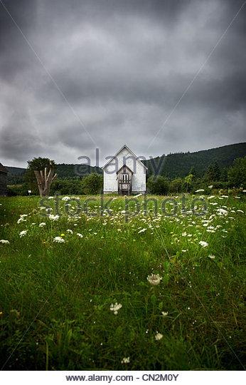 Verlassenes Haus unterwegs nach Inverness, Cape Breton Island, Nova Scotia Stockbild