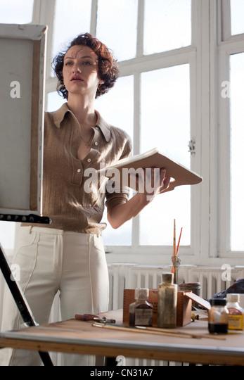 Weibliche Künstler Malerei Stockbild