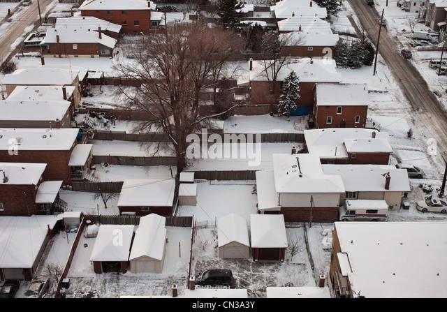Nachbarschaft im Schnee Stockbild