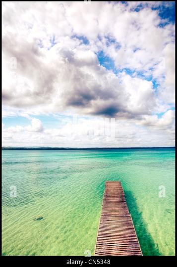 Ein Dock am See Petén Itza, Guatemala. Stockbild