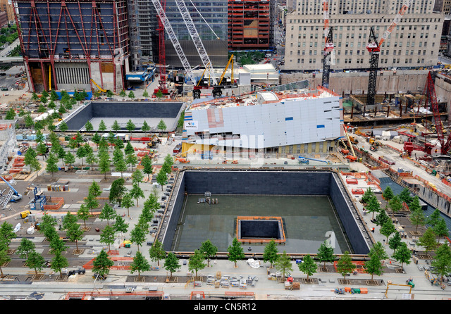 Vereinigte Staaten, New York City, Manhattan, Wiederaufbau am Ground Zero, ein Denkmal namens reflektieren fehlen Stockbild