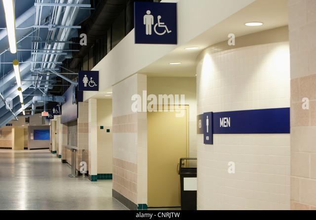 Korridor im Stadion Stockbild