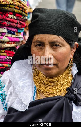 Tracht in Otavalo Markt, Ecuador Stockbild
