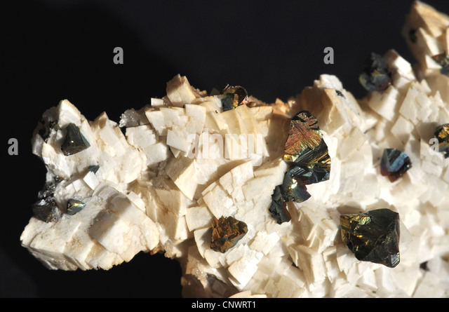 Chalkopyrite auf Dolomit Stockbild