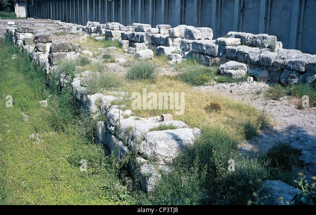 Calabria - Reggio Calabria - Teile der Wände des alten Rhegion. Stockbild