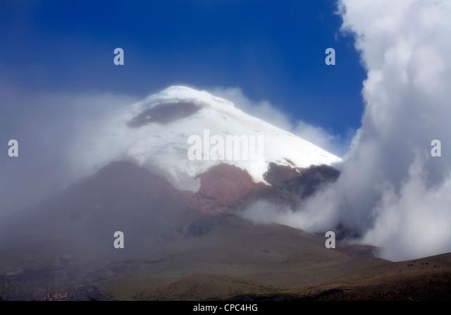 Schneebedeckten Cotopaxi Vulkan in den ecuadorianischen Anden Stockbild