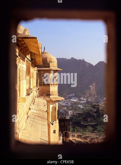 Blick auf die Gemeinde unterhalb vom Amber Fort in Jaipur, Rajasthan, Indien, Asien Stockbild