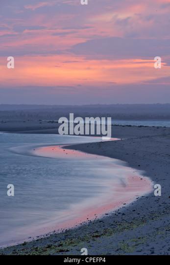 Sonnenuntergang über Mogundula Insel der Quirimbas Archipels im Norden Mosambiks. Stockbild