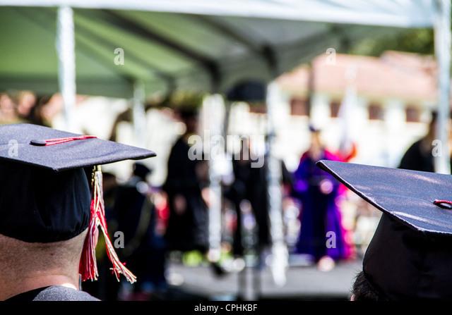 Abschlussfeiern im California State University Kanalinseln in Oxnard Kalifornien CSUCI Stockbild