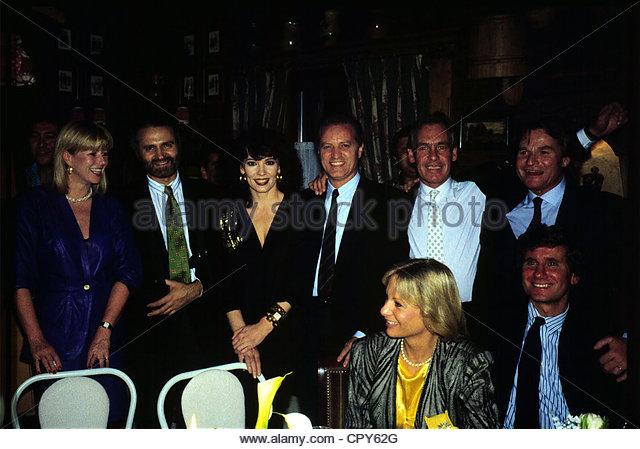 Versace, Gianni, 2.12.1946 - 15.7.1997, italienischer Modeschöpfer Gruppe Bild mit Fritz Wepper, Iris Berben Stockbild