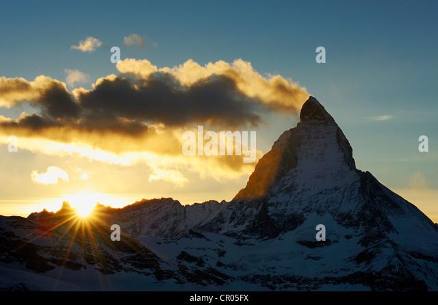 Mt. Matterhorn bei Sonnenuntergang, Zermatt, Wallis, Schweiz, Europa Stockbild