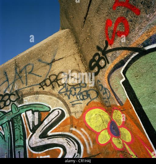 Graffiti auf zweiter Weltkrieg bunker Stockbild