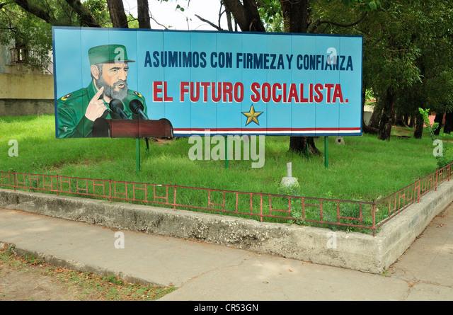 Werbung-Panel mit politischer Propaganda darauf, Fidel Castro, Guantanamo, Kuba, Caribbean Stockbild