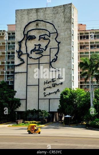 """Darstellung von Ernesto """"Che"""" Guevara an der Fassade des Innenministeriums, Plaza De La Revolucion quadratisch, Stockbild"""