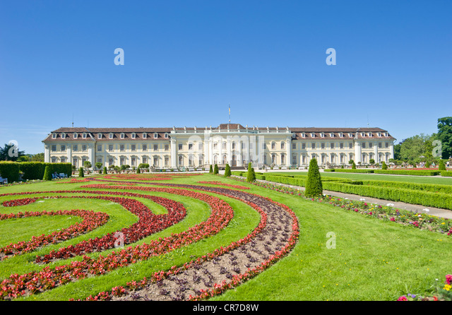 Schloss Ludwigsburg Palace, blühenden Barockgarten, Neckar, Baden-Württemberg, Deutschland, Europa Stockbild
