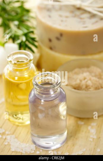 Ätherische Öle und Aromatherapie (Körperpflege, Spa) Stockbild