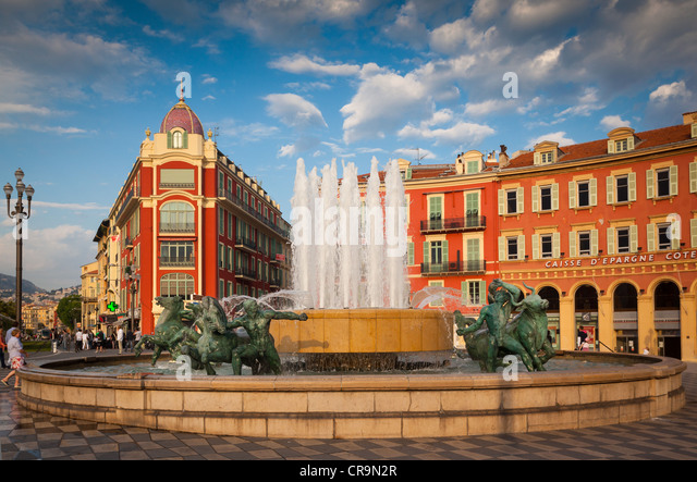 Place Massena in der Innenstadt von Nizza an der französischen Riviera (Côte d ' Azur) Stockbild